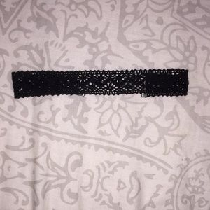 American Eagle black choker